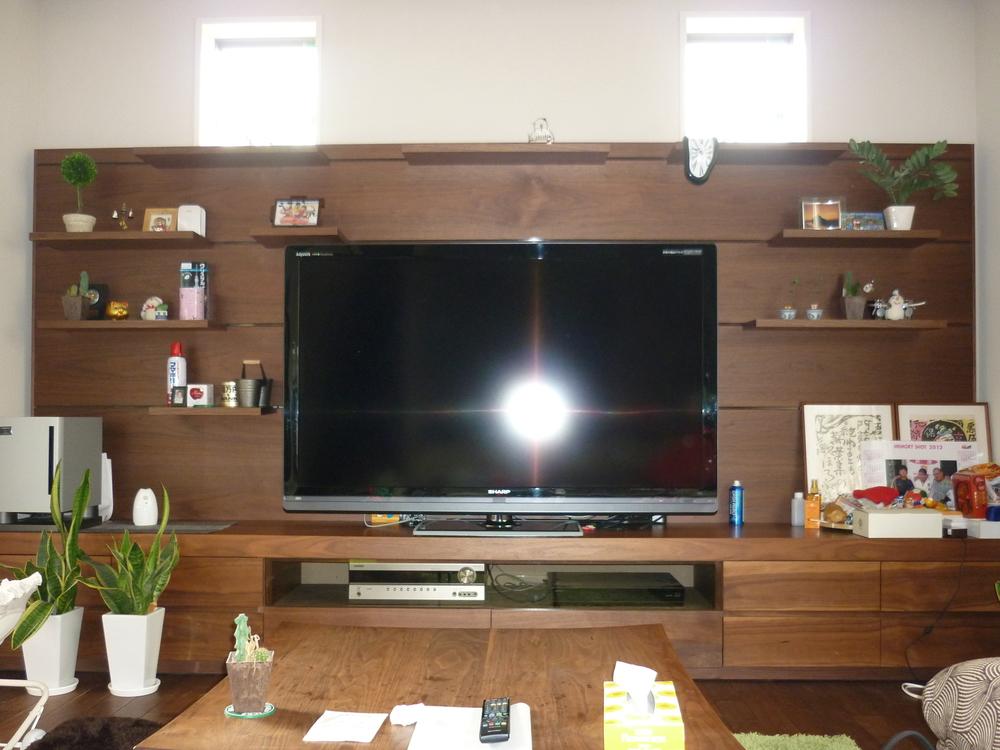 テレビ台壁面収納を検討する前に!知っておきたいメリットデメリット