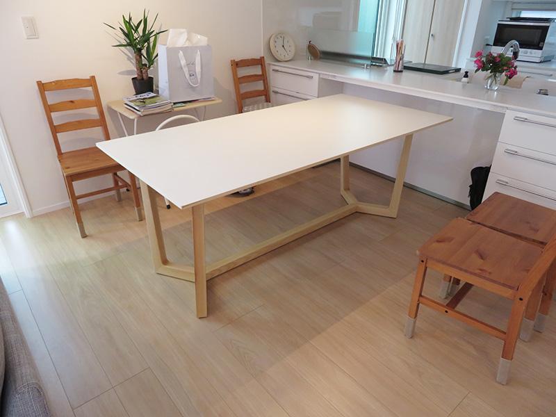 ダイニングテーブルを納品しました!お客様のお部屋-T様邸-
